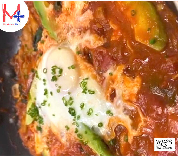 Saksuka (Tomato ,Spinach, Mushroom ,Avocado & Egg)
